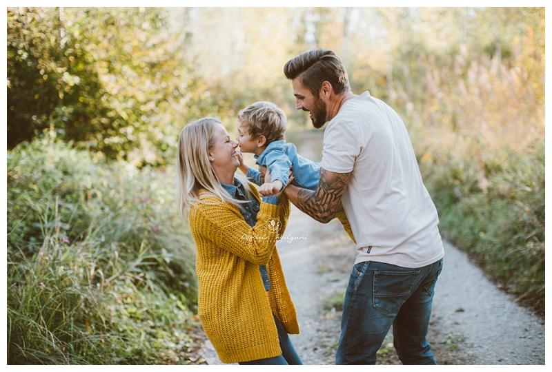 Familienfotos Familienfoto Familienfotoshooting, Familienshooting, Familie, Fotoshooting, im Freien, Outdoor, Familienfotos im Freien, Familie, Familienfotos, Familienshooting, fotoshooting, Fotograf, Familie, Fotostudio, Linz, Amstetten, Steyr